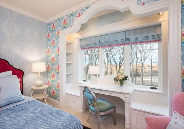 Оригинальное комбинирование обоев в интерьере спальни
