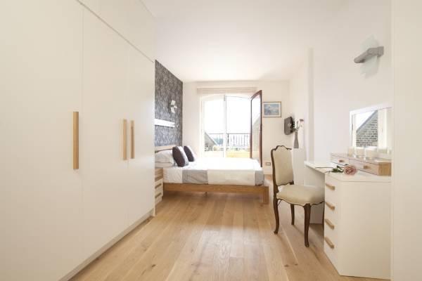 Отдельная гардеробная в спальне без перегородок