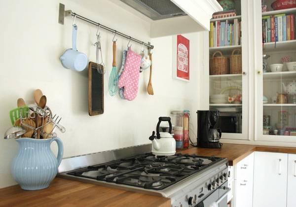 Аксессуары для рейлингов на кухню в стиле прованс
