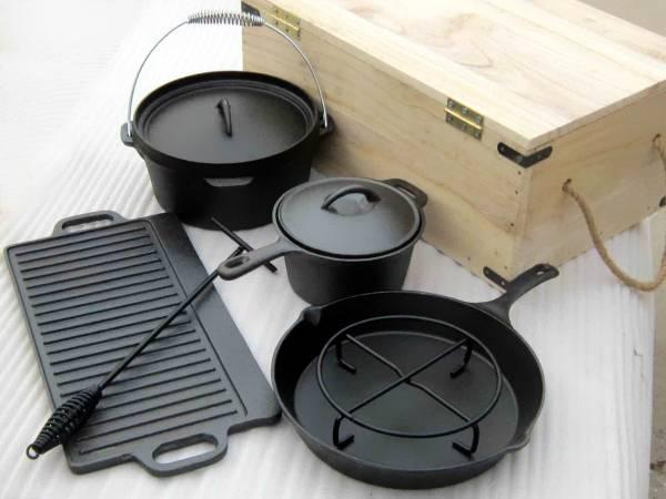 Потрясающий набор кухонной посуды из чугуна