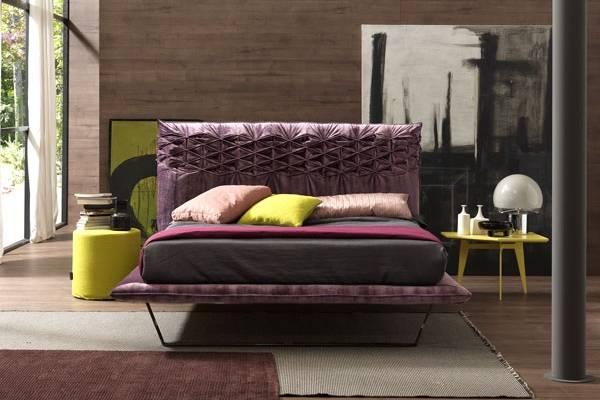 Итальянские кровати с мягким изголовьем в дизайне спальни