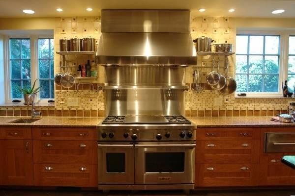 Навесные полки и аксессуары для рейлингов на кухню - фото