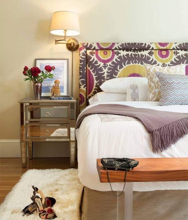 Яркие кровати с мягким изголовьем в интерьере - фото