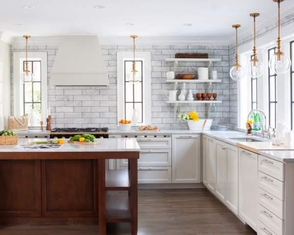 Интересные кухни - фото плитки и светильников