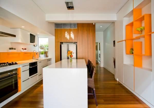 Стильная кухня 2016 в оранжевом цвете