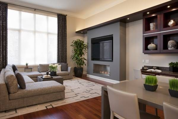 Гипсокартонная стена с нишами под телевизор и камин