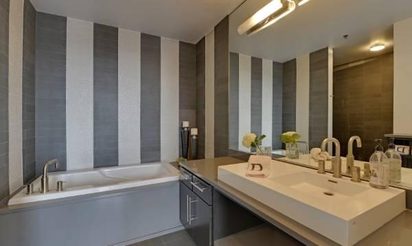 Современный дизайн ванной комнаты в стиле лофт - фото в интерьере
