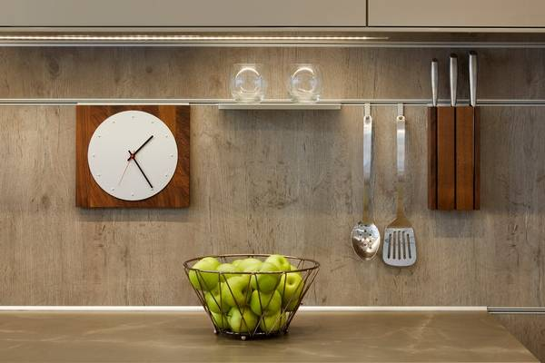 Шикарные навесные аксессуары для кухни на рейлингах