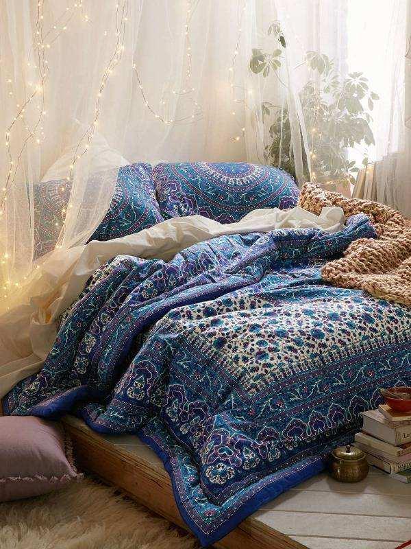 Богемный стиль в интерьере спальни