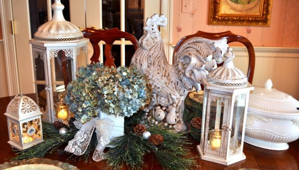 Декор новогоднего стола на год Петуха