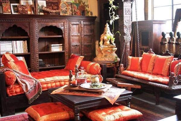 Индийский стиль в интерьере с оригинальной мебелью и текстилем