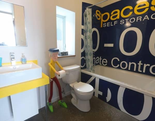 Дизайн совмещенного санузла с ванной - фото в современном стиле
