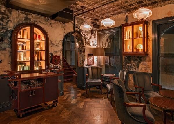 Оформление кафе J&M - идеальный виски бар