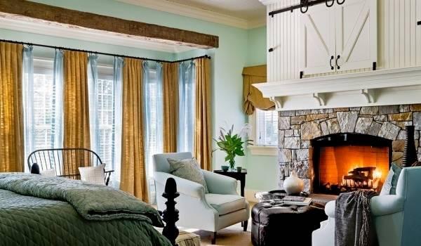 Желто-голубые двойные шторы для спальни - фото новинки в интерьере