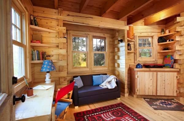 Интерьер деревянного дома из бруса - детская комната