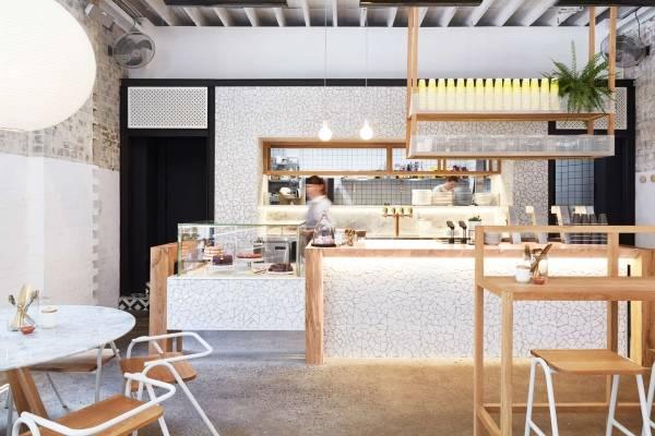 Интерьер кафе бара Rabbit Hole в восточном стиле с японским декором