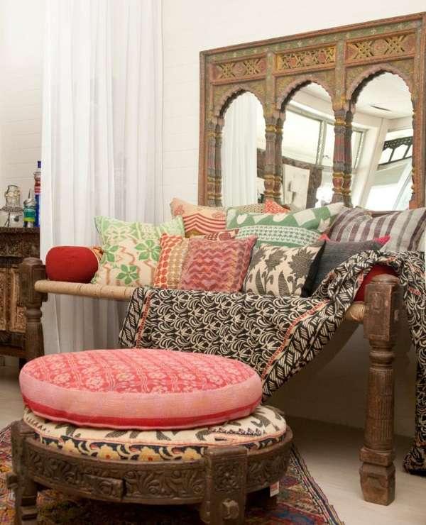 Настоящая мебель из Индии - лежанка с подставкой под ноги