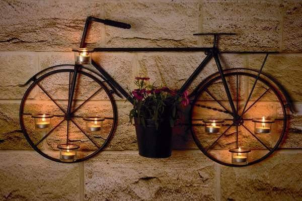 Креативный кованый подсвечник Велосипед - фото на стене