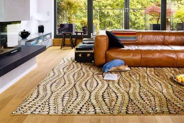 Красивые ковры в гостиную с цветочными узорами