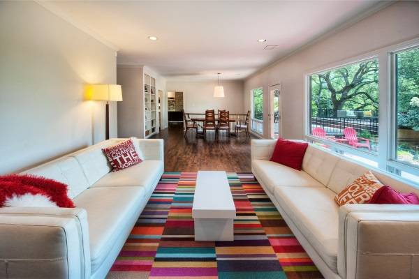 Яркие и красочные ковры в интерьере - фото 2016