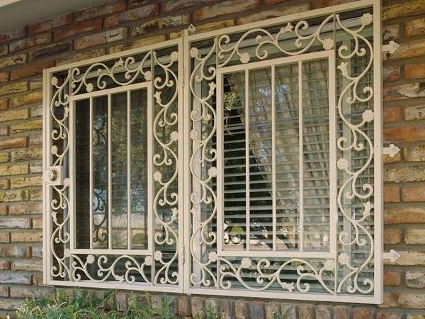Как поставить решетки на окна, чтоб было красиво