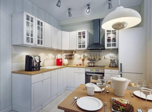Обеденная зона на маленькой кухне в хрущевке