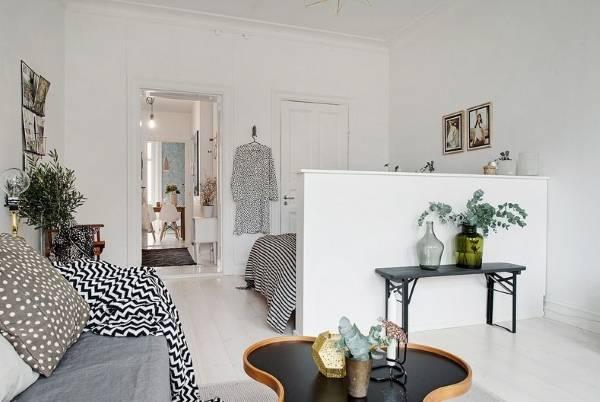 Перегородка между гостиной и спальней в квартире в скандинавском стиле