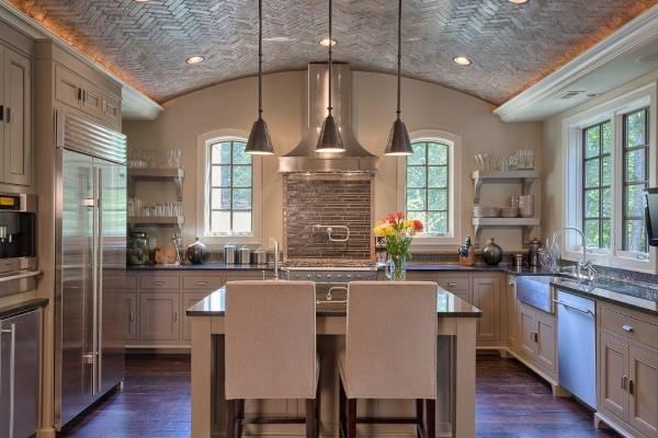Потолочный плинтус с подсветкой - фото в интерьере кухни