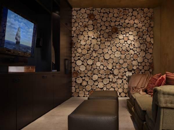 Деревянные панели в интерьере из спила дерева