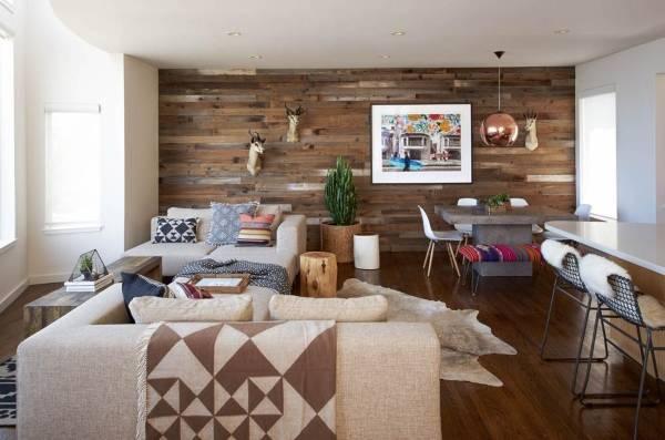 Деревянная стена в интерьере - фото ламината