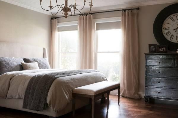 Дизайн штор для спальни - фото в пастельных тонах