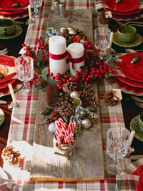 Украшение новогоднего стола своими руками - фото центрального элемента