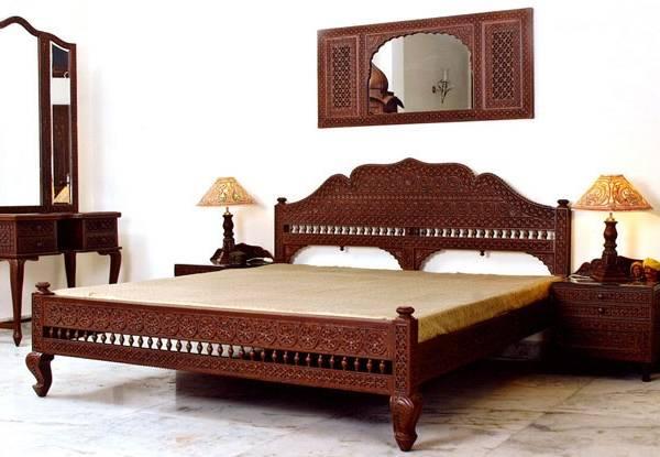 Индийская резная мебель для спальни - фото в интерьере