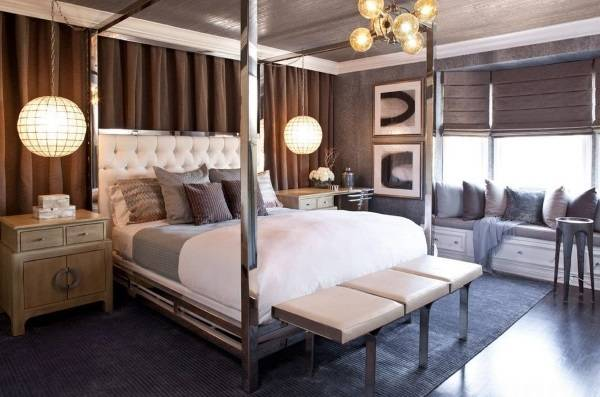 Сиреневые римские шторы - фото в интерьере спальни