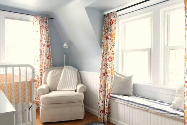 Какие шторы подойдут к голубым обоям - красивое сочетание цветов