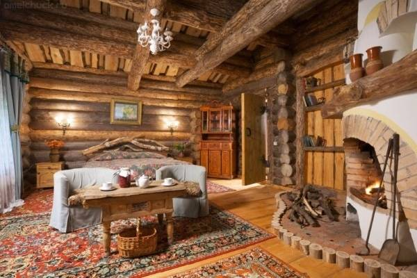 Интерьер деревянного дома из бревна внутри - фото в русском стиле