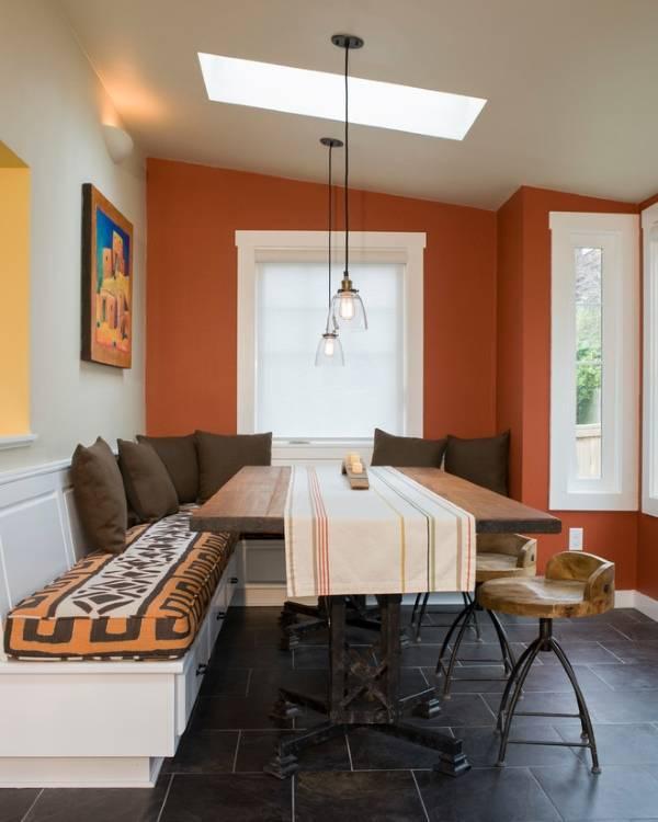 Яркое оформление обеденной зоны на кухне - фото