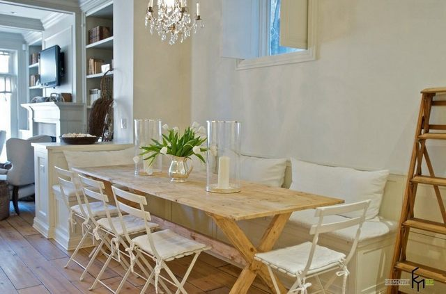 стол в кафе кухня зона обеденного стола