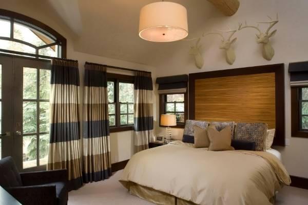 Дизайн штор для спальни в полоску - фото новинки 2016