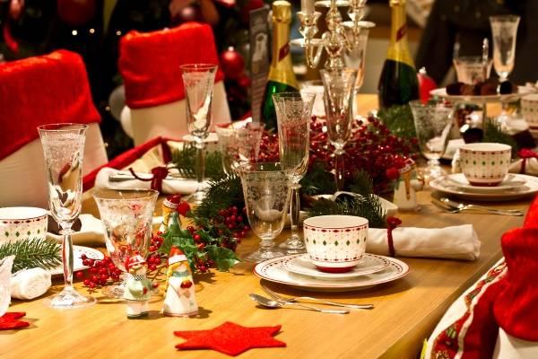 Украшение новогоднего стола 2017 - лучшие идеи