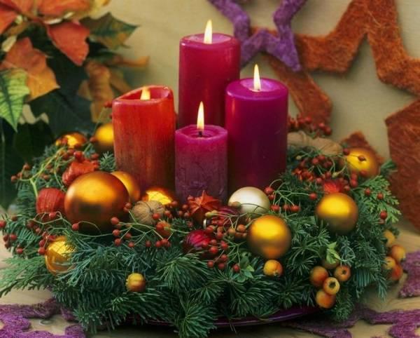 Украшение новогоднего стола 2016 - фото елочной икебаны со свечами