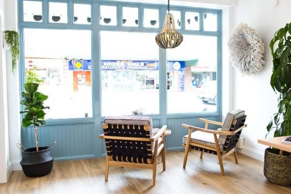 Дизайн кафе в деревенском стиле - Highlands Merchant на фото
