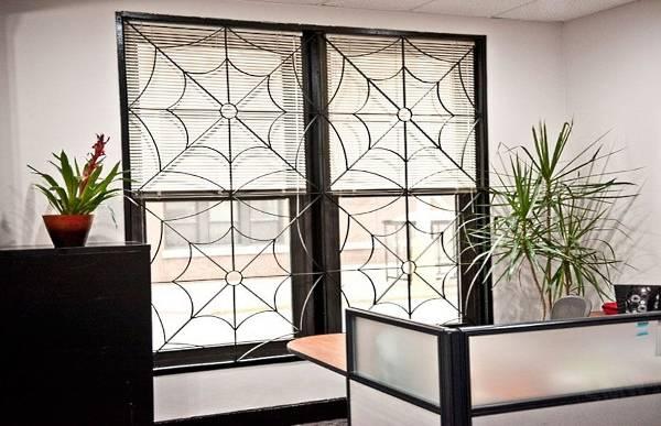 Металлические решетки на окна - внутренние решётки на фото