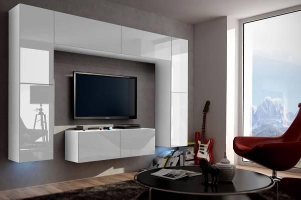 Белая глянцевая мебель для гостиной на стенах