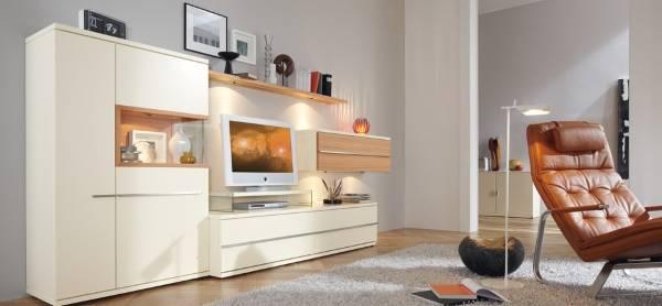 Красивая белая мебель для гостиной в современном стиле