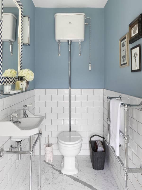 Светло голубой цвет стен в маленькой комнате