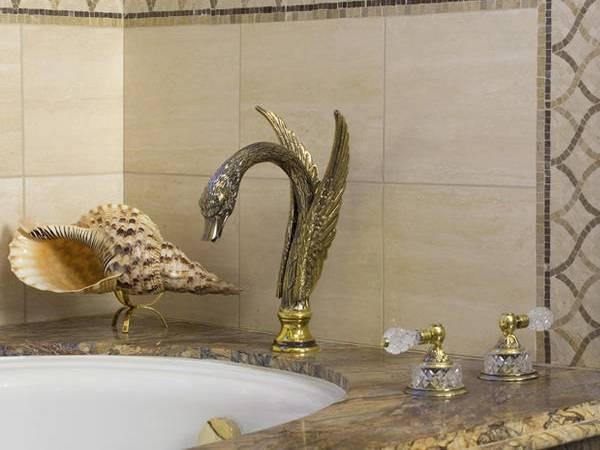 Как украсить ванную комнату ракушками - идеи с фото