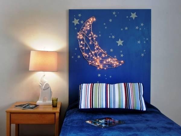 Гирлянда светодиодная - декор стен в интерьере спальни