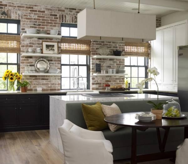 Отделка кирпичной стены в интерьере кухни