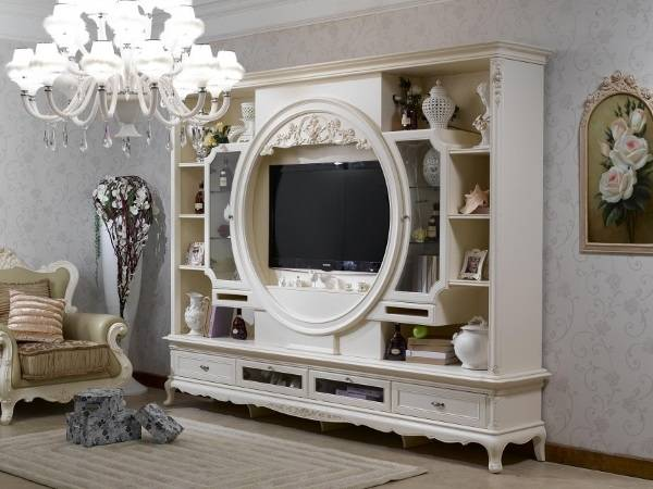 Белая мебель для гостиной - фото стенки в классическом стиле